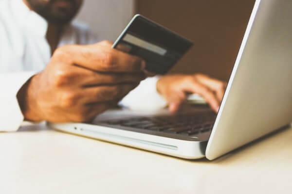 ᐅ Pagamenti con carta di credito grazie all´integrazione di Stripe con Smoobu Channel Manager