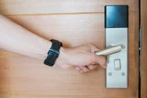 Le serrature intelligenti e il self checkin
